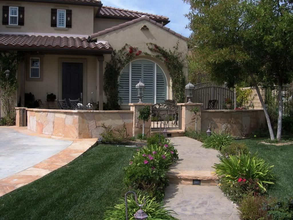 Courtyards and front entry pool concepts amarillo for Entry courtyard design ideas